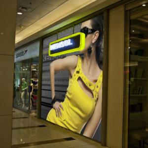 Светещи букви и табела от плексиглас - Kensol в Mall София