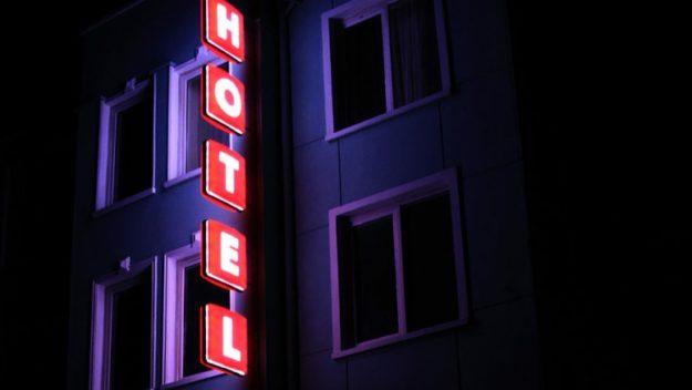 Hotel Noviz с нови табели от Медия Дизайн