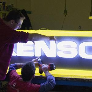 Изработка на обемни букви Kensol в Медия Дизайн