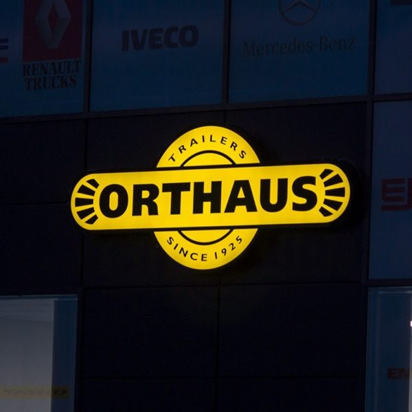 LED лого Orthaus от алурапид
