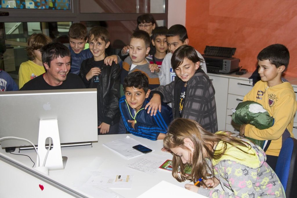 Децата от ОУ Васил Левски в Медия Дизайн