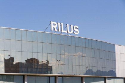 Обемни букви на покрива на Rilus