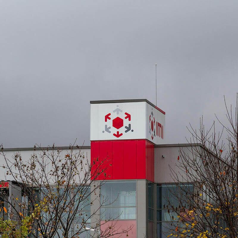 Табела на сградата на IMI Ботевград, изработена и поставена от Медия Дизайн