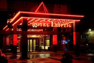 Светещи обемни букви на покрива на хотел Лайпциг - Пловдив